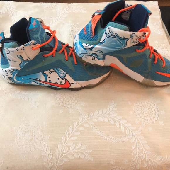 """separation shoes 0867b 769f0 Nike Lebron James GS """"water bucket"""" size 7Y. M 5bfdbddb34a4ef8d16149aa9"""
